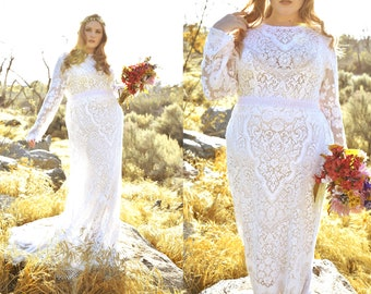 Plus size authentic Vintage Lace Long Sleeve Lace Mermaid Hourglass WEDDING Maxi Dress Gown W/ Train Bohemian Boho Saldana Elopement Lucia