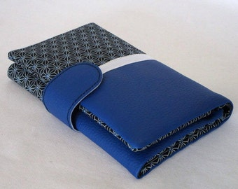 Wallet in a blue leatherette and asanoha fabric