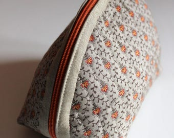 Handmade Dumpling pouch - fabric - quilted - beige red orange - flowers