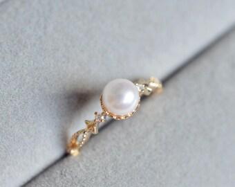 Pearl Engagement Ring 18k Gold Vintage Pearl Engagement Ring 14K Rose Gold Diamond Antique Akoya Engagement Ring 18k Pearl Wedding Ring