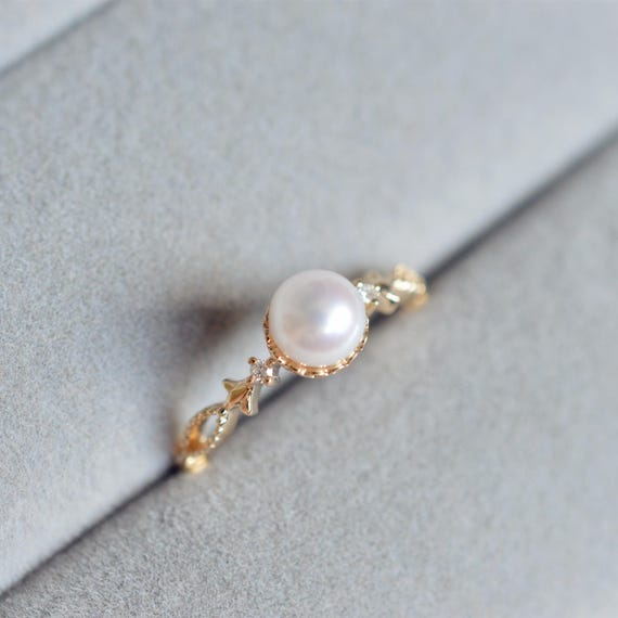 gallery jewellery engagement brides pearl lee s grace rings ring crown styles bezel