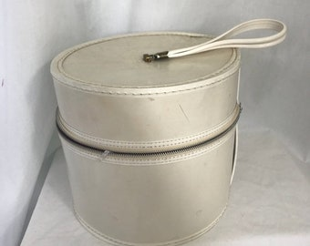 Vintage 1960s Round Hat Wig Box Travel Case