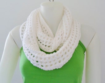 Mobius Squared Crocheted Infinity Scarf in White Organic cotton