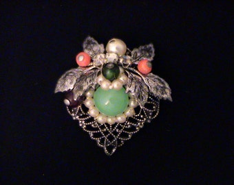 Vintage 1940s CORO Unsigned Filigree Floral Small Scatter Pin