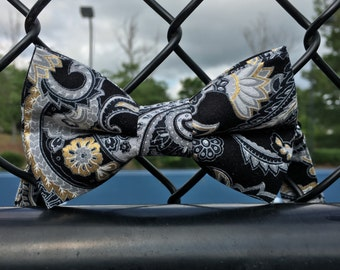 Black paisley print bow tie, Ring bearer bow tie, black and gold paisley bow tie