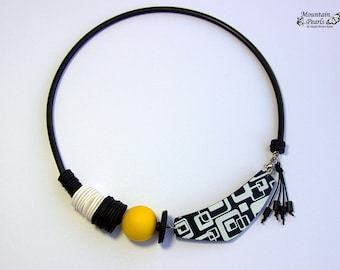 Black White Necklace Popular, Extravagant Necklace, Statement Necklace Yellow, Bib Necklace, Asymmetric Necklace, Modern necklace