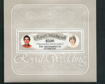 Lady Diana Royal Wedding Souvenir Sheet /Unused Issued  in The Grenadines of St. Vincent