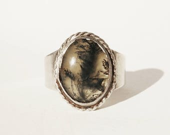 Stunning • Size 11 • Vtg Native American Moss Agate Sterling Mens Ring - Collectible