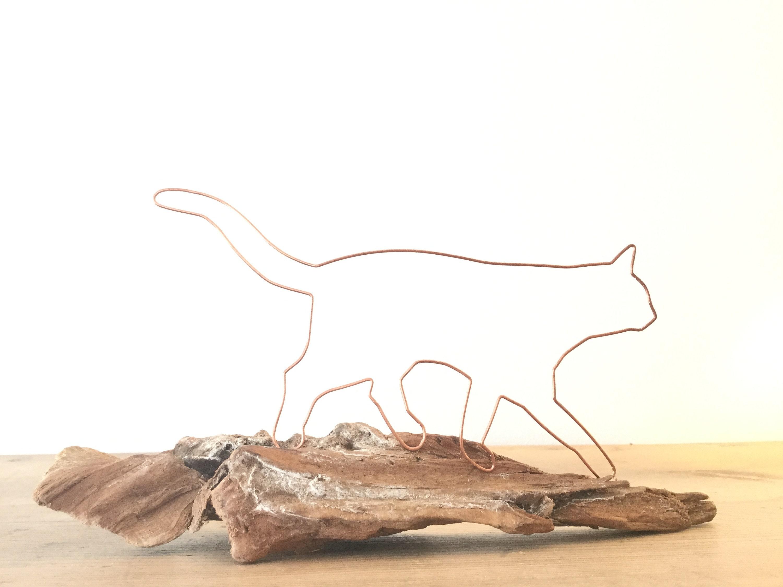 Katze aus Draht auf schönem Holz Handmade