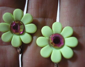 Play Earring - Clip  - Flower w/Bling - Lime/Pink - 3/4""