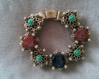 Vintage  Intaglio Bracelet 1950s Victorian Revival Gold Tone Metal Book Chain and Glass
