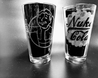 2 Geeky Etched Pub Glasses of your choice