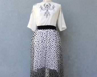Embroidered Polka dot Dress Hand Embroidered Lace Dress Vintage Embroidery Dots size 6/8 EU size 36/38