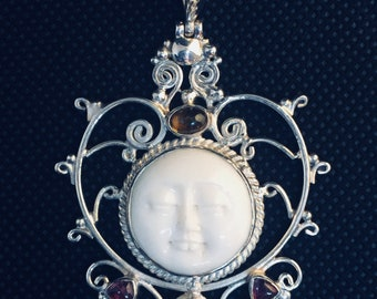 Moonface Goddess Pendant