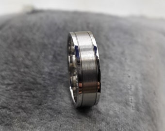 Palladium 6mm band with brush center and polished shoulders