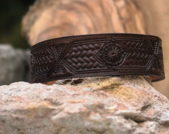 Hand tooled leather bracelet