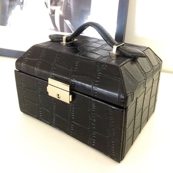 Pressed leather/jewelry box/lock with key/1980s