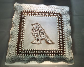 Square plate with bird
