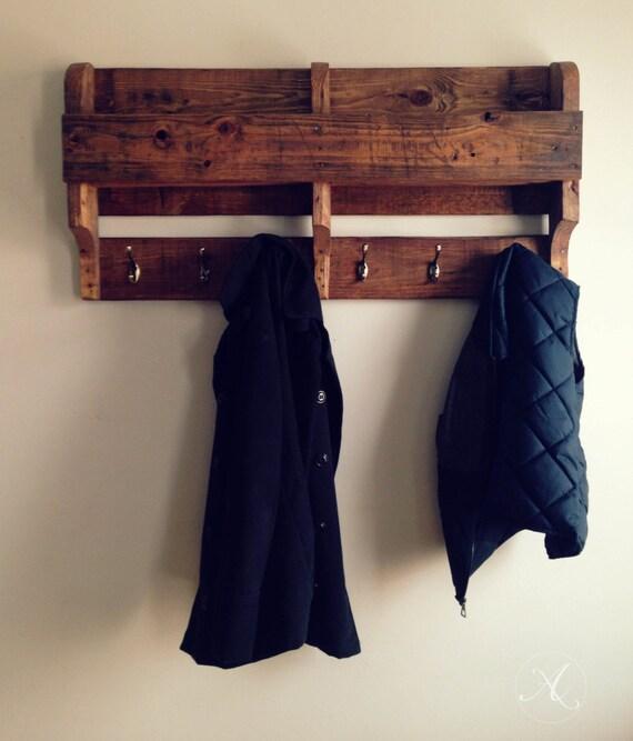porte manteau mural palette de bois tag re de rangement. Black Bedroom Furniture Sets. Home Design Ideas