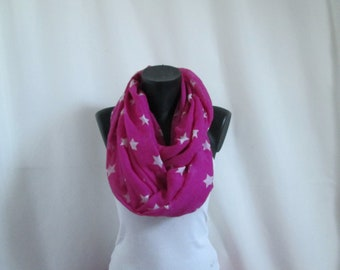 Scarf fuchsia with white stars