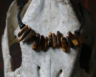 Tiger eye macramé necklace