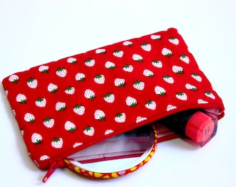 red cotton purse, strawberries fabric purse, strawberry fabric cotton purse, cotton purse, red coin purse, fruity fabric coin purse, UK shop