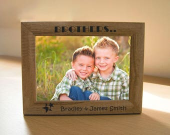 """Personalised Family Photo Frame - 7"""" x 5"""" Frame - Laser Engraved with Names of the Brothers  - L1074"""