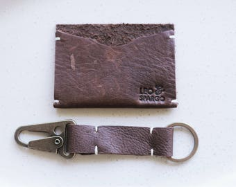 Christmas gift for him // simple mens leather wallet and key fob set // gift for him // boyfriend present