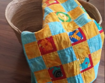 Modern baby quilt,  Animal baby quilt, Baby wall hanging quilt, Crib blanket, Baby gift, Baby blanket, Baby quilt handmade, Nursery quilt