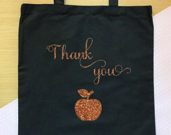 Thank you gift for teacher, tote bag with an apple for the teacher! Perfect leaving gift/thank you gift for a teacher/teaching assistant