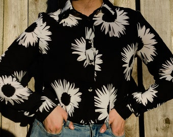Black and White Daisy Button Up Blouse - US Women's Size S