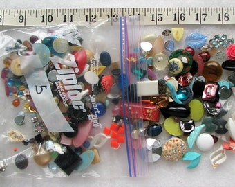 Lot Of 100+ Loose Lucite & Glass Stones Jewelry Repair 5