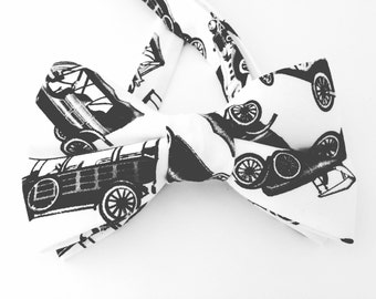 Old Cars Bow Tie, Vintage Cars Bow Tie, Black and White Tie,  Father's Day gift, Vintage Cars Necktie, Old Cars Necktie, Model T Bow Tie,