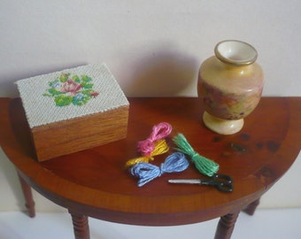 Dollhouse miniature box with needlepoint lid