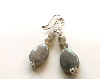 Labradorite earrings. Labradorite jewelry. Dangling earrings. Gift for her. Stone earrings