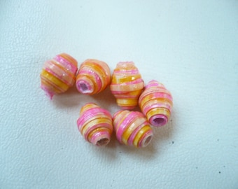 set of 6 paper beads.