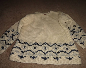 Size Small Vintage sweater 44 in bust 28 in length-sweater-ugly sweater- sweater- ugly christmas sweater--