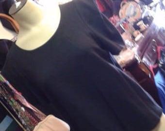 1990's Vivienne/Vivienne Tam Pull Over Black Short Sleeve Top Size M