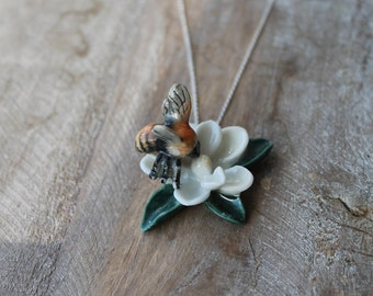 Bee on flower ceramic necklace
