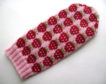 Strawberry Mitten pattern