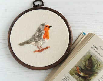 European Robin cross stitch pattern. Cross stitch bird. robin cross stitch. robin bird pattern. robin bird chart. robin embroidery pattern.