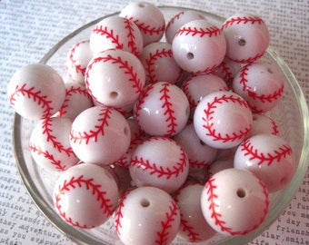 Baseball Beads, 10 pcs, 20mm White Bubblegum Beads with Red Stitching, Sports Beads, Softball Bead, Gumball Bead, Acrylic Bead, Team Sports
