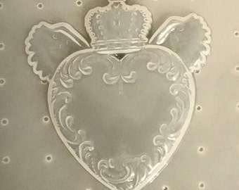 Crowned Heart w/ Wings Mold