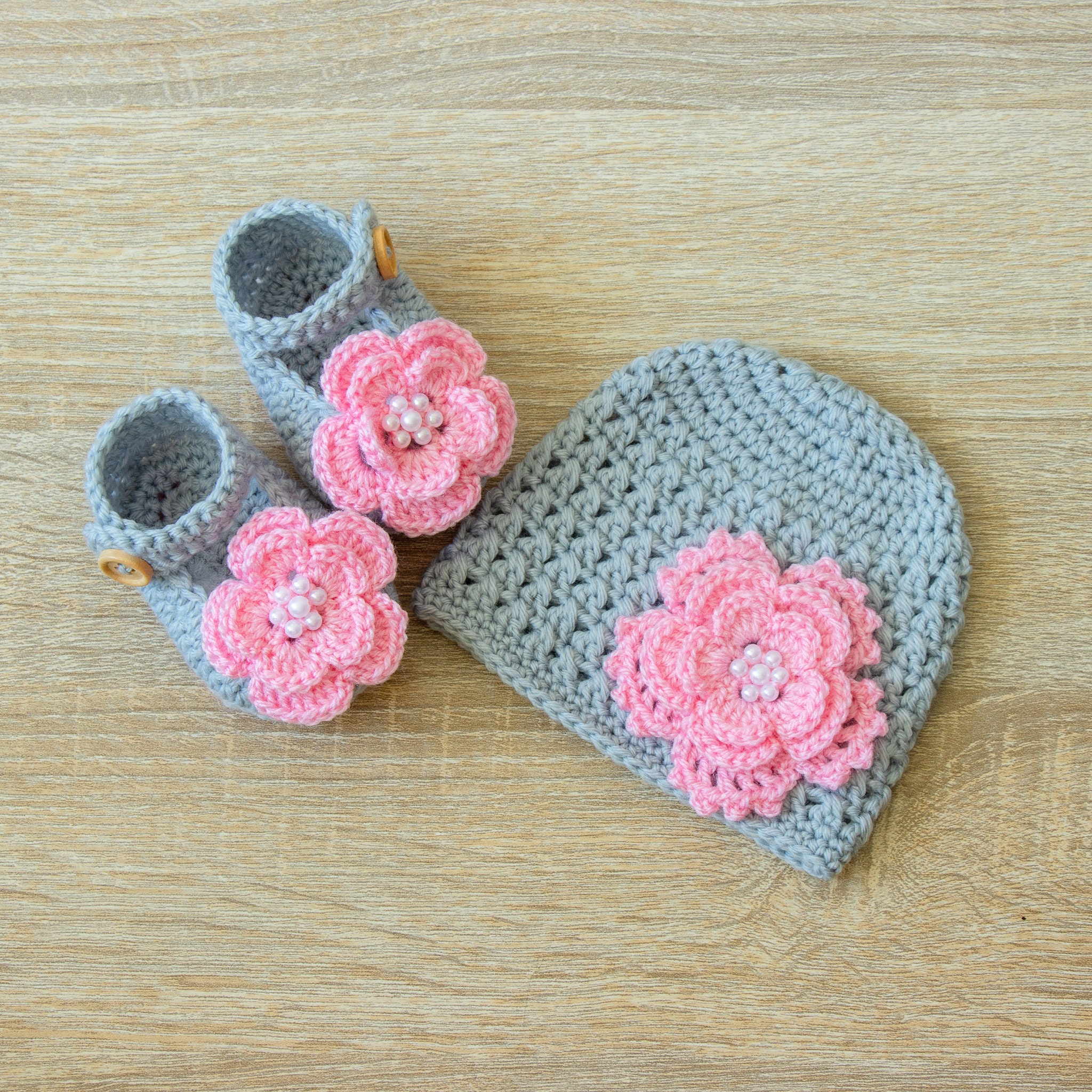Gray and pink Hat and shoes set Flower hat Crochet baby set