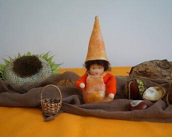Waldorf happiness felt gnome- Nature table - Antroposofisch - Vilten gelukskabouter - Seizoentafel