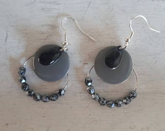 BO - black and grey marble effect beads