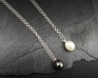 Pearl choker Layering single freshwater pearl necklace Drop Pearl Minimalist jewelry Delicate chain Gift for her Pearl Dainty Small Necklace