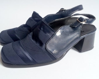 SALE Vintage Navy Blue Womens Shoes Sandals 1970 style