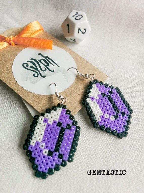 Shades of purple 8bit Zelda game inspired Gemtastic jewel earrings for retrogaming gamer girls made of Hama Mini Perler Beads
