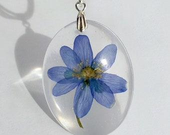 Real Flower Pendant, Boho Necklace, Flower Pendant, Resin Flower Necklace, Birthday Gift For Her, Pressed Flower Jewelry, Nature Jewellery